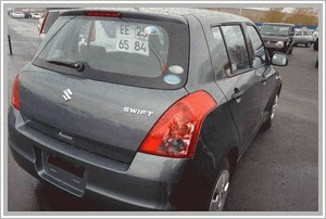 Suzuki Swift 1.3 AT 4x2